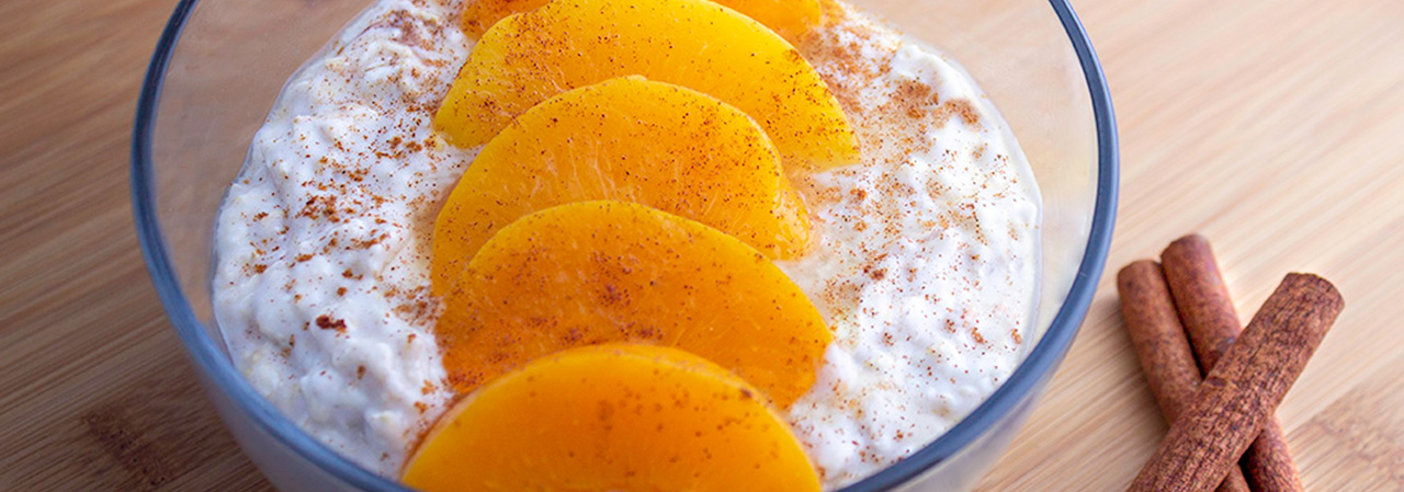 Peaches and Cream Cinnamon Overnight Oats