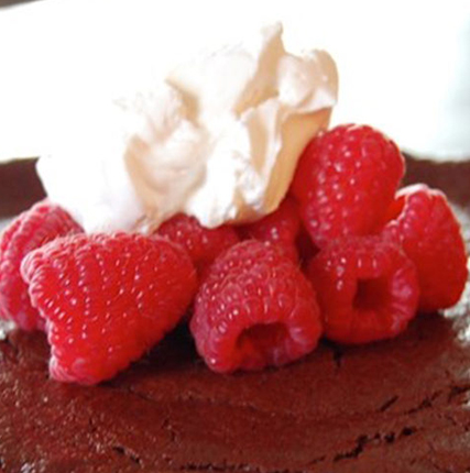 Flourless Chocolate Cake with Yogurt Vanilla Cream